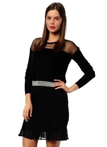 Mia Kazak Siyah